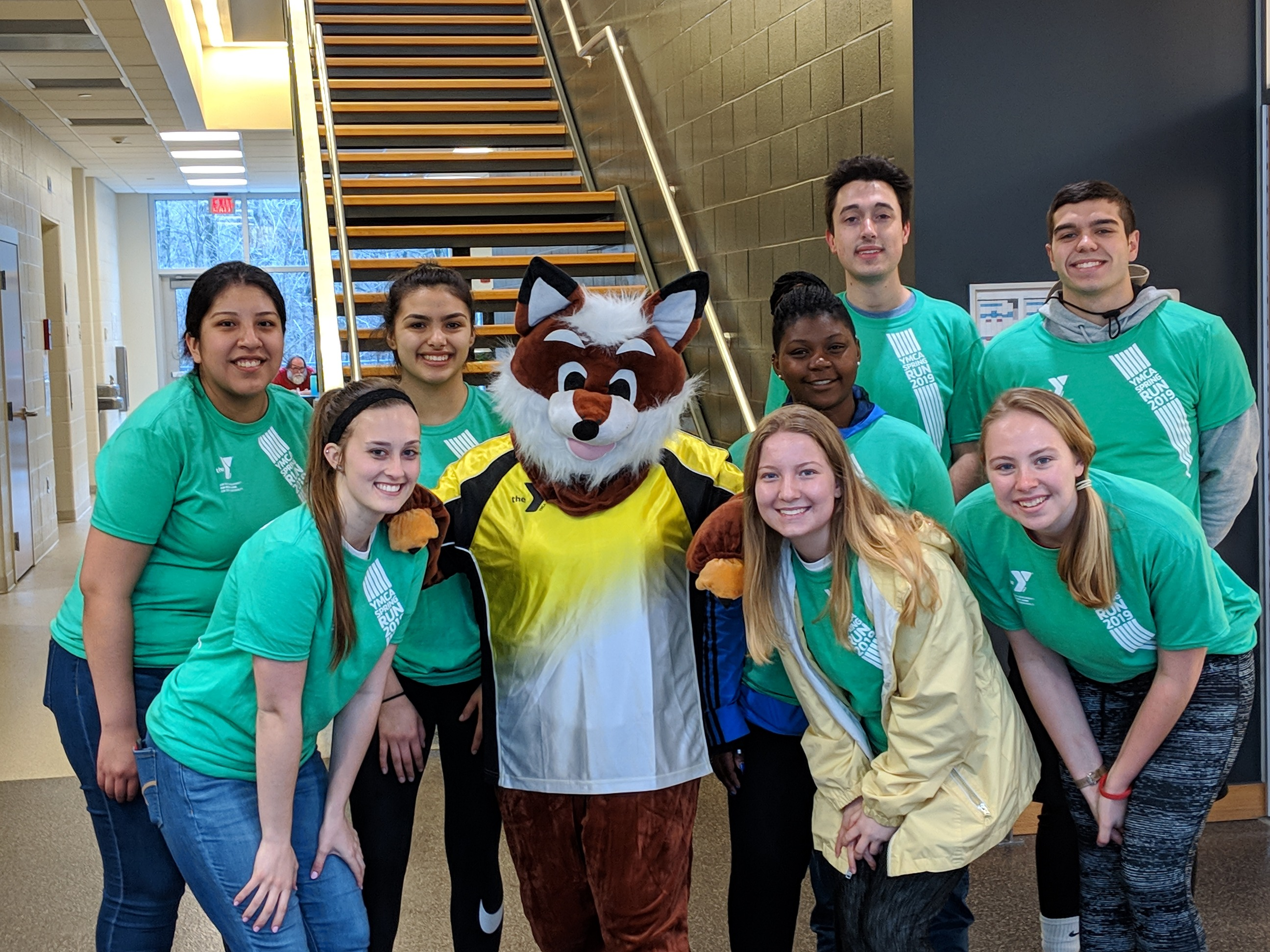 Students from IU Leadership Corps volunteering at the 2019 YMCA Spring Run.